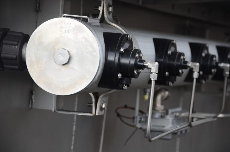Caisson de filtration d'air Turbine à gaz Compresseur Moteur à gaz Bonbonne d'air comprimé Vannes de décolmatage pneumatique Boitier pilote Filtre Jet-Pulse Filtre autonettoyant cartouches F9 AAF pulstar Donaldson TTD