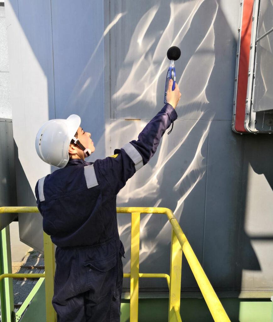 Sound level meter Intensemeter  Sound pressure level  Sound power level ISO 140